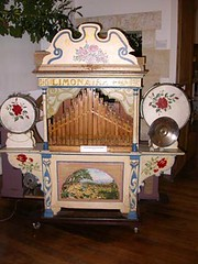 Orgues de Barbarie04-Limonaire à cartes perforées (Geher) Tags: france radio de son musée sound museums orgues yonne enregistrement barbarie cylindres tournedisques stfargeau limonaires magnétophones