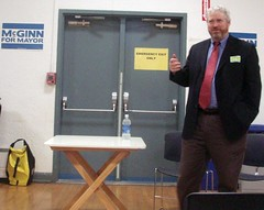 Mike McGinn speaks at Beacon Hill town hall meeting, September 19. Photo by melissajonas.