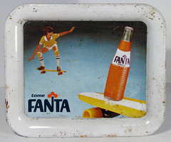 Fanta Tray 1970's (Morris collection) Tags: tray fanta tintray