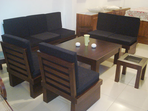 teak-platform-sofa