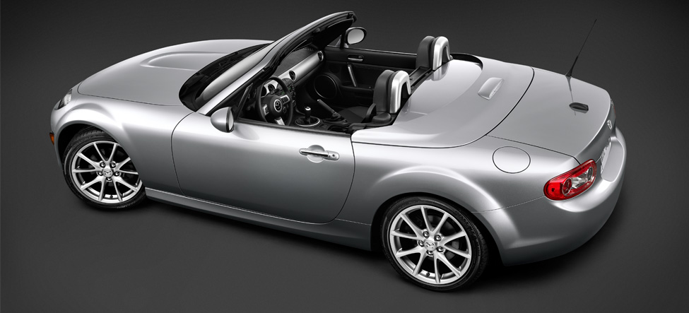 Mazda MX-5 Miata body-color tonneau cover