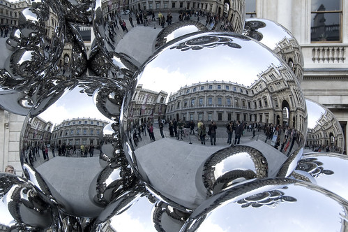 crazy bubble thing at royal academy London