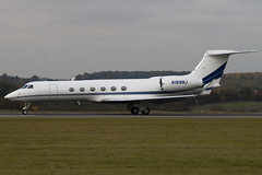 N168NJ - 667 - Private - Gulfstream V - Luton - 091029 - Steven Gray - IMG_3055