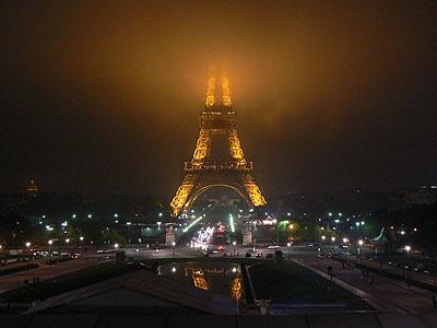 la tour eiffel la nuit.jpg