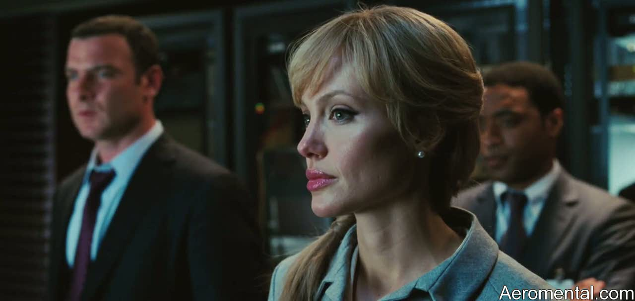 Angelina Jolie Salt seria