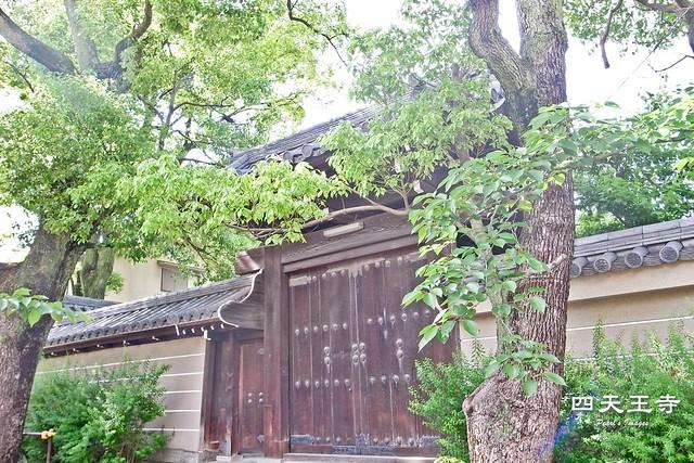 有料庭園的側門