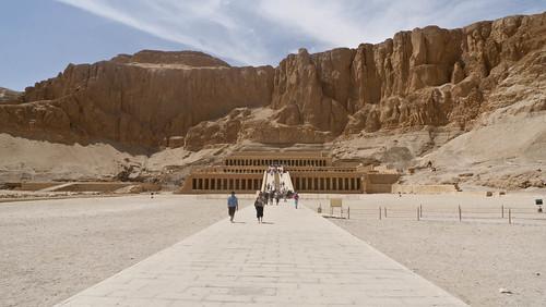 P1040082_Luxor_TempleOfHatchepsute_DeirAlBahri
