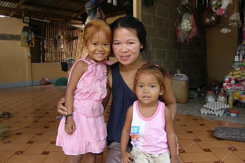 094.雜貨店老闆娘與小女兒