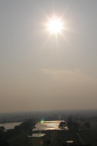 026.清晨的陽光照耀在Champasak平原 (4)