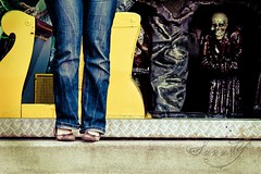 Creepy Bench Monday (Pink Pixel Photography (f.k.a. Sunny)) Tags: vienna wien scary amusementpark prater ghosttrain geisterbahn sigma1770mm canoneos400d benchmonday ontourwitheddiandfriends notveryamusingifyouaskme