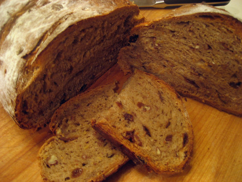 oatmeal frut nut bread sliced
