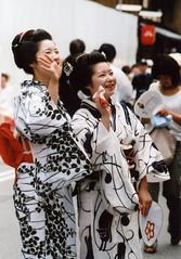 meet a friend (転倒虫) Tags: topv111 festival japan friend kyoto 京都 yukata wa meet 浴衣 祇園祭