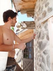 Nicolas calfeutre le bois cordé