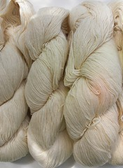 Trekking flame 4 x 100g 75%new wool 25%nylon for dyeing