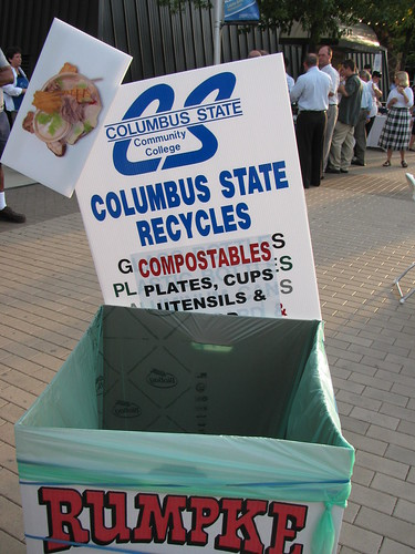 compost cans were everywhere and well labeled