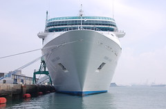 VISION OF THE SEAS FRONT (LeHavreShips) Tags: cruise sea france port de boat photo barco view ships vessel bow regatta normandie normandy kreuzfahrtschiff cruises  crucero rccl lehavre visionoftheseas croisiere paquebot proue  bulbousbow navedacrociera trave crociere etrave   gpmh cruzeiro lehavreships  paquebotslehavre cruiseshipslehavre croisireslehavre lehavrecruiseterminal terminalcroisirelehavre tourismelehavre cruiselehavre lehavrecruise  crucero navio bulbeetrave