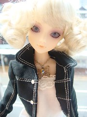 20091008jdoll1 (feather tiara) Tags:  jdoll