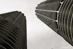 Marina City (dangaken) Tags: chicago chicagoil illinois midwest usa unitedstates windycity cityofbroadshoulders chitown canon gaken dangaken dgaken wwwflickrcomdgaken photobydangaken