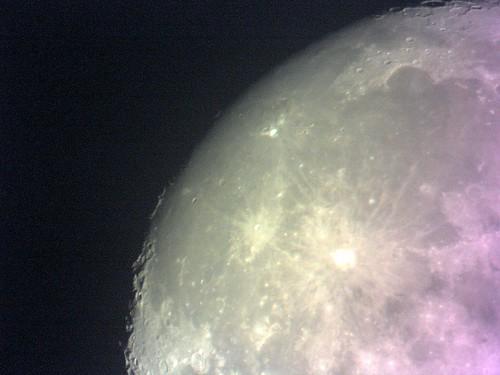 Moon photographed with TVV3000  サンコーUSB 3M telescope digital cameraで撮影した月