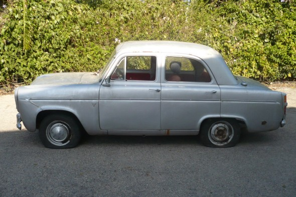 Departing 1960 Ford Prefect: Side view