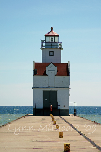 Kewaunee Pierhead Lighthouse 2