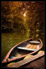 Cast-away (Vlad Solomon) Tags: nature water canon boat filter tobacco cokin gradual 400d
