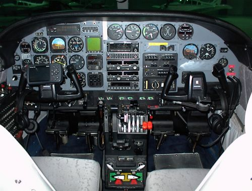 cessna-303-crusader-cockpit