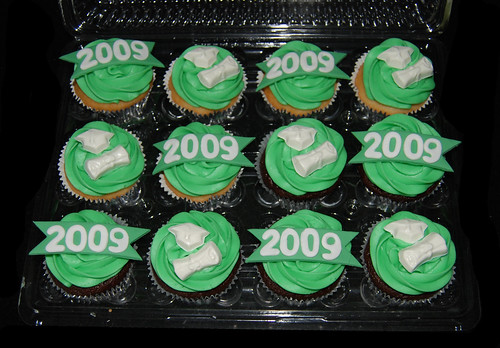 Green and White High School Graduation Cupcakes