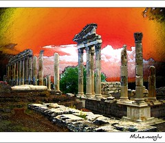 Ancient City of Pergamon (Ozgurmulazimoglu) Tags: turkey ancient trkiye izmir pergamon turchia pergamum bergama turkei