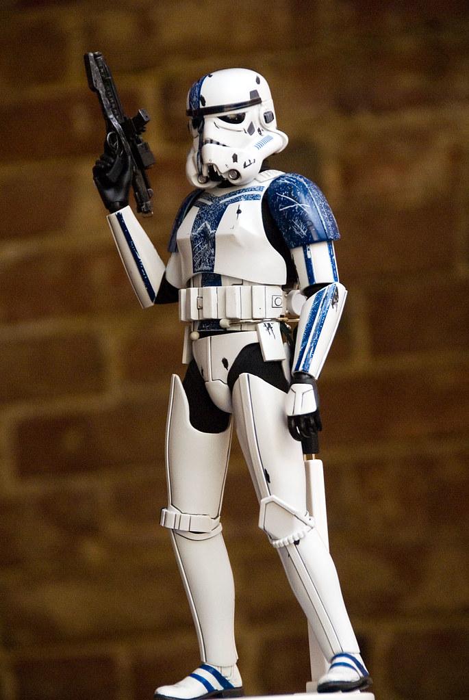 12 inch Stromtrooper Commander Force Unleashed 3657558907_b99b2ee925_b