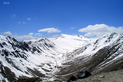 snow covered Khardungla pass (keedap) Tags: road trip india snow car bike deepak delhi pass deep best leh manali natures gauri ladakh pang rohtang abhay naveen blueribbonwinner keylong baralacha sarchu upshi tanglangla surinder nakeela lachungla khardugla mygearandme mygearandmepremium mygearandmebronze mygearandmesilver mygearandmegold