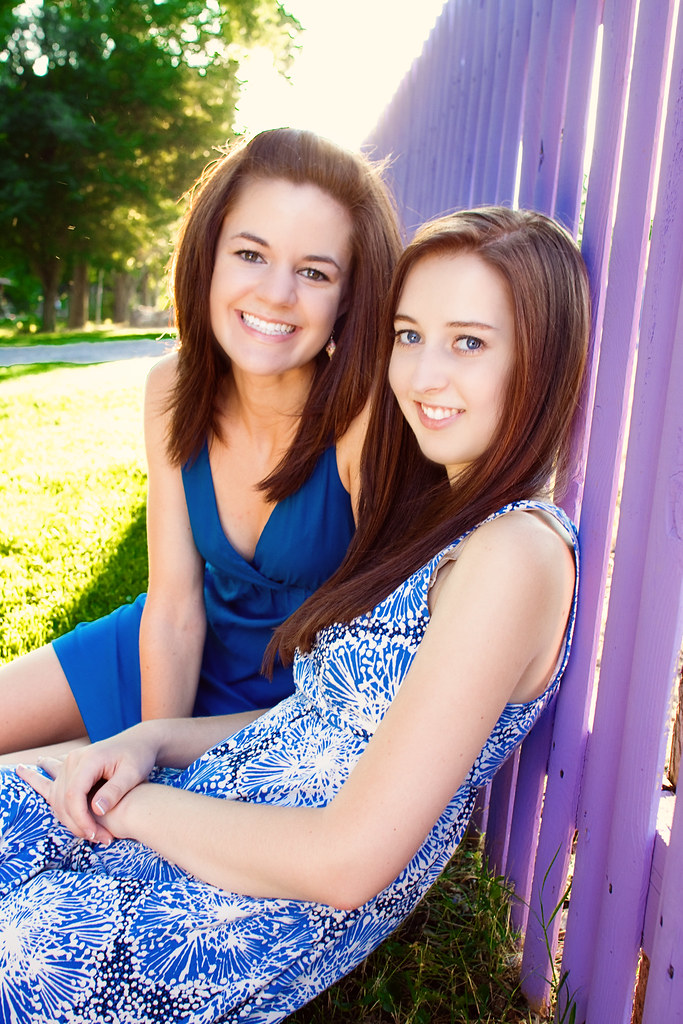 Best Friends - high School Senior Portrait photographer Knoxville, TN