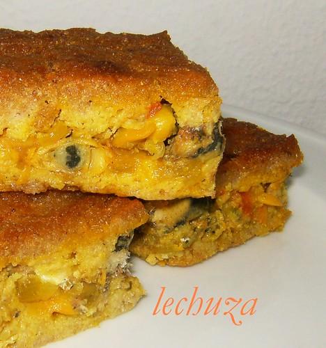 empanada masa de millo-xoubas y berberechos-cerca.