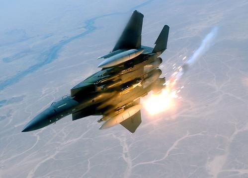 フリー画像| 航空機/飛行機| 軍用機| 戦闘爆撃機| F-15E ストライクイーグル| F-15E Strike Eagle|      フリー素材|