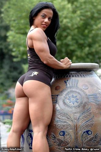 mavi_gioia_female_muscle_very_sexy
