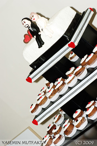 Siyah Beyaz Düğün Cupcake Kulesi / Black and White Wedding Cupcake Tower