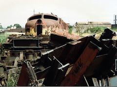 FPM108 Locomotiva sucateada da RFFSA (Fernando Picarelli Martins) Tags: 1940 generalelectric década ferrovia locomotiva sucata rffsa jundiaísp redeferroviáriafederalsa locomotivaelétrica classe2cc2