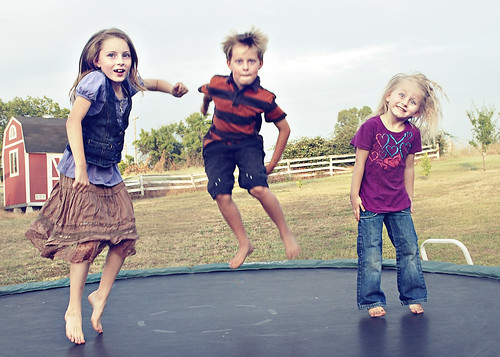 bragg kids jumping
