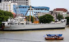 HMTS Lanta (LST-714) (Ian Fuller) Tags: thailand asia bangkok navy lanta th chaophrayariver krungthep rtn ราชอาณาจักรไทย royalthainavy กรุงเทพมหานคร แม่น้ำเจ้าพระยา บางกอก กองทัพเรือ hmtslanta lst1141 lst714 ussstonecounty
