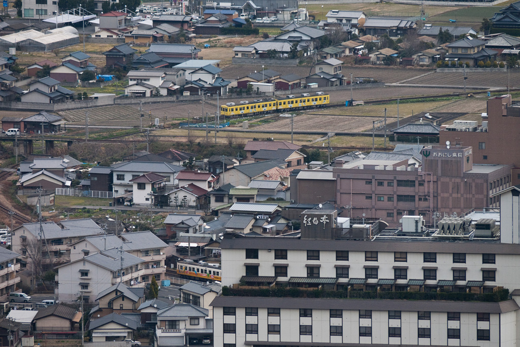 "distant view of ""Takamatsu-Kotohira Electric Railroad"""