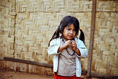 Hmong girl (Monpeera) Tags: monks laos vangvieng laungprabang laokids