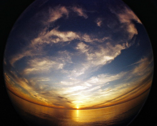 Planet Sunset [Photo by kevindooley] (CC BY-SA 3.0)