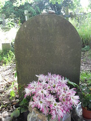 Rem 49b (Philip Snow) Tags: grave nick drake