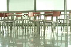 non-luogo (glidia * marta vespa) Tags: aeroporto sedie 2009 luce cagliari vuote homersiliad glidia