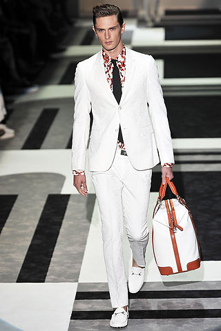 Mathias Lauridsen3111_SS10_Milan GUCCI(Men Style)