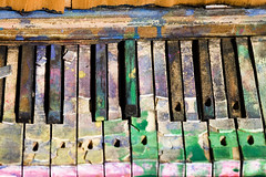 Play Me Something Brilliant (Thomas Hawk) Tags: california usa america berkeley unitedstates 10 unitedstatesofamerica piano eastbay berkeleymarina fav10 adventureplayground gettyartistpicksoct09