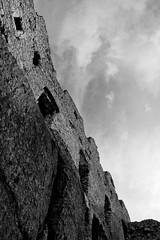 IMG_0927 (psaid) Tags: building castle ruins ruin poland polska ruina zamek małopolska budynek ruiny budynki ogrodzieniec zamki budowle budowla średniowiecze maopolska ma³opolska redniowiecze