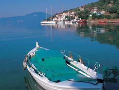 Grecia-barcaza (Aproache2012) Tags: cicladas peloponeso grecia flotilla mediterráneo navegar vacaciones disfrutar mar embarcación velero