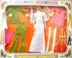 HONEYMOON ENSEMBLE GIFT SET (Virgin-Archer) Tags: vintage toys mod dolls barbie clone maddiemod teenagefashiondoll