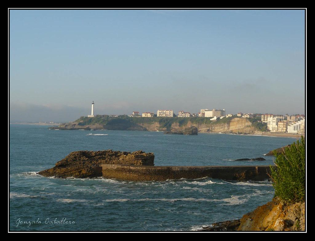 Faro y costa de Biarritz desde Le Rocher de la Vierge